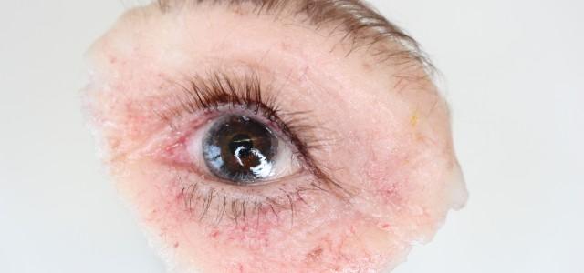 Wimper und Augenbrauen
